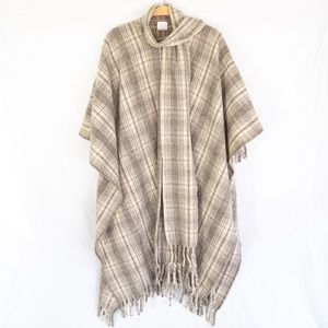 Beautiful Wool Plaid Poncho / Cape